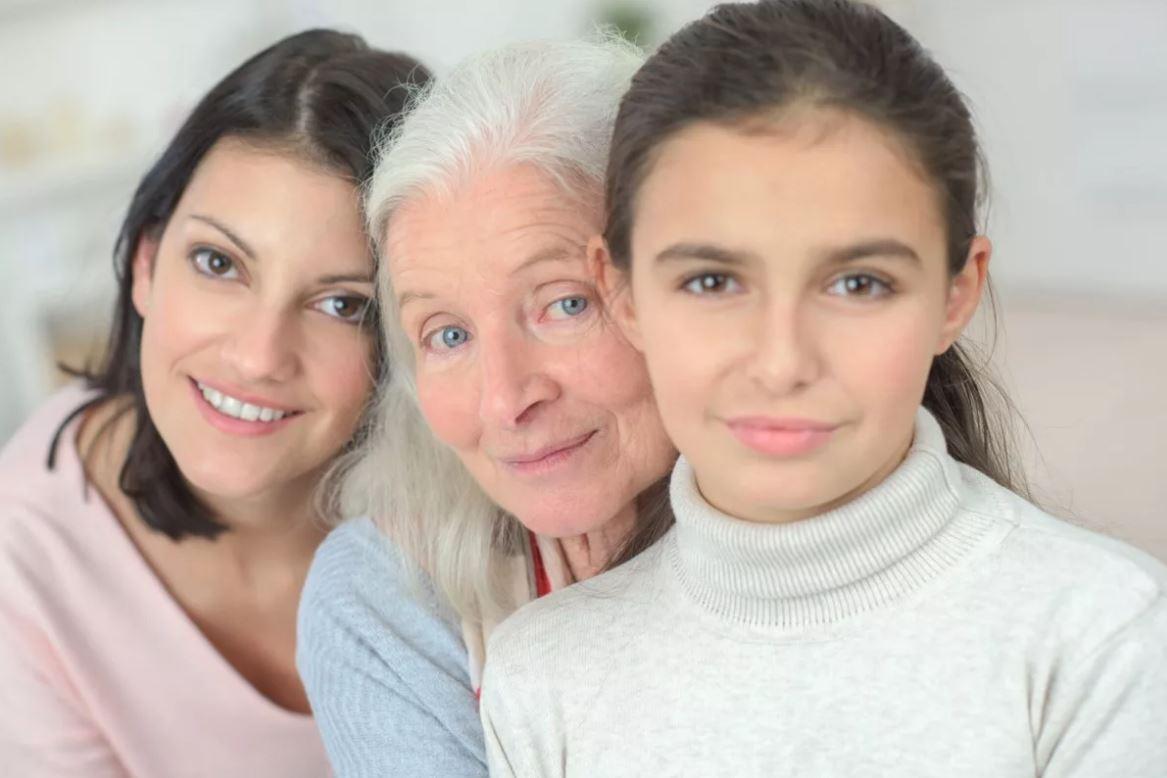 – А у нас все женщины в роду несчастные! – рассуждает сорокалетняя Татьяна