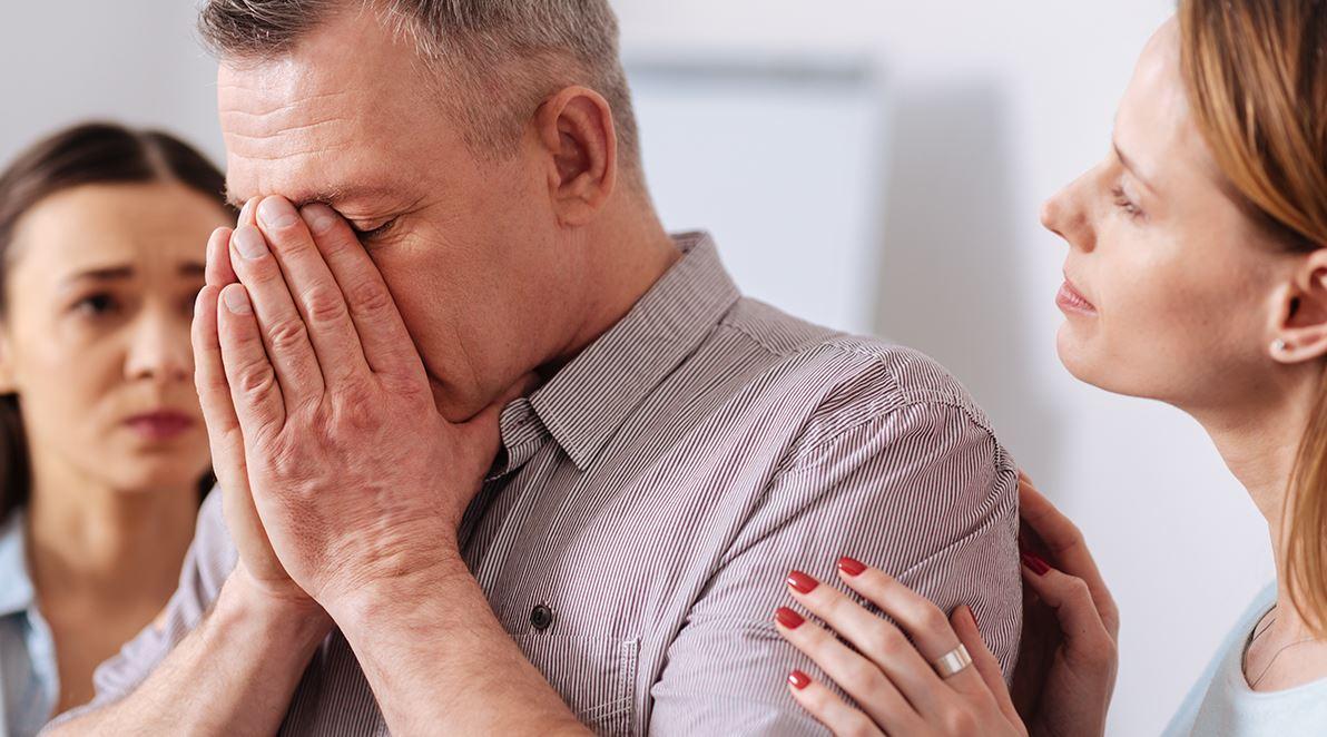 Дочь накопила алименты, живя во втором браке, и купила внучке квартиру, а муж ее узнал и злится