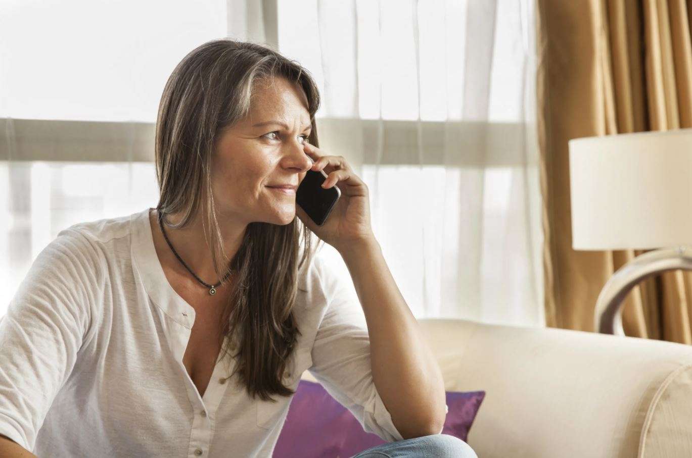 Домработница в глаза улыбается, а за глаза всем рассказывает гадости. «А зачем ее увольнять, они все так делают!» – говорит мама