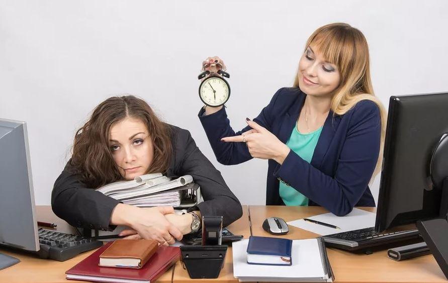 «Ее у нас весь офис ненавидит – она домой уходит строго по звонку!»