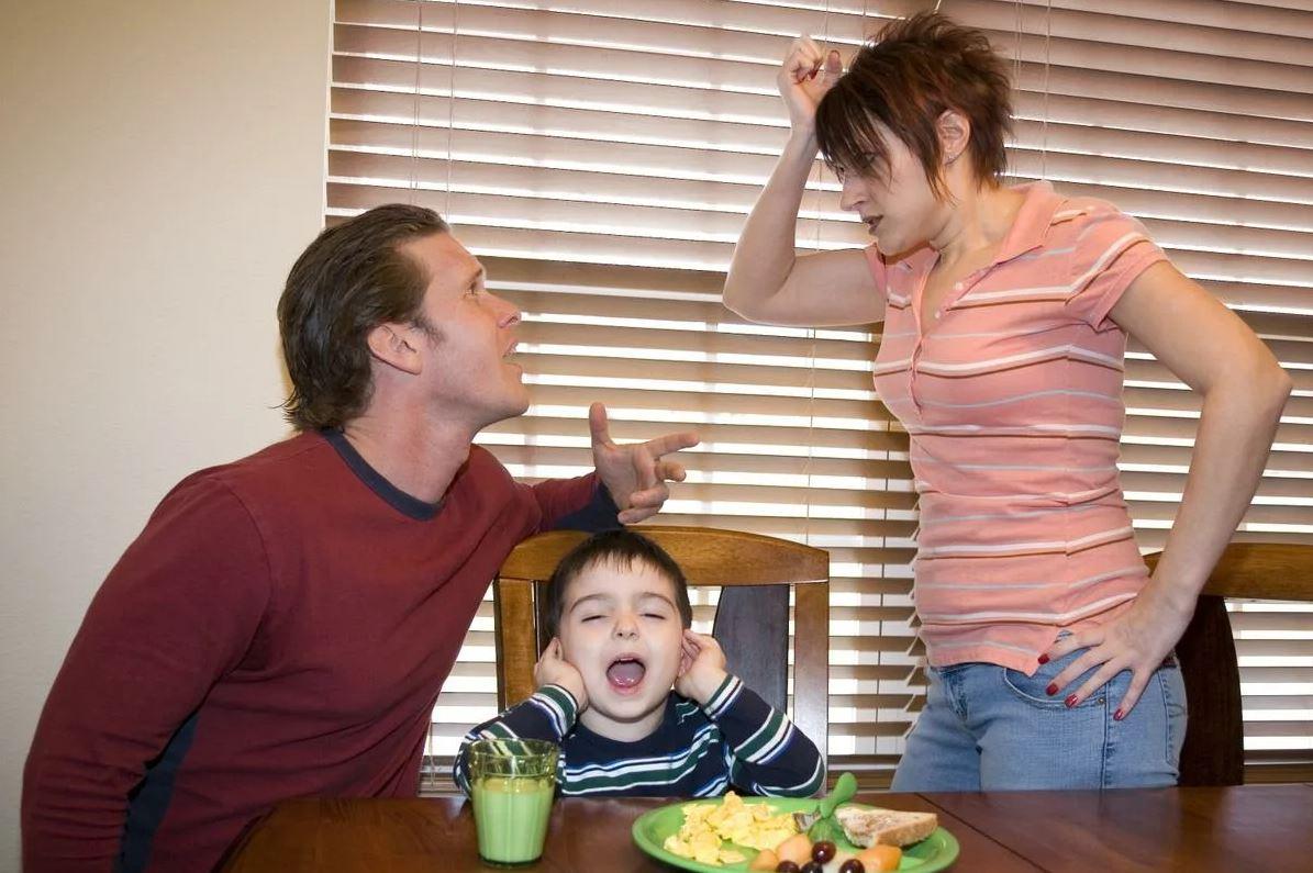 «Хочешь работать – реши вопрос, кто будет с ребенком!» — заявил муж