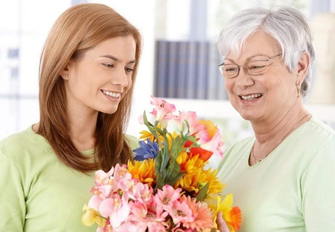 «Маме твоей на юбилей подарим букет цветов, и хватит: надо деньги поберечь!» – заявил муж