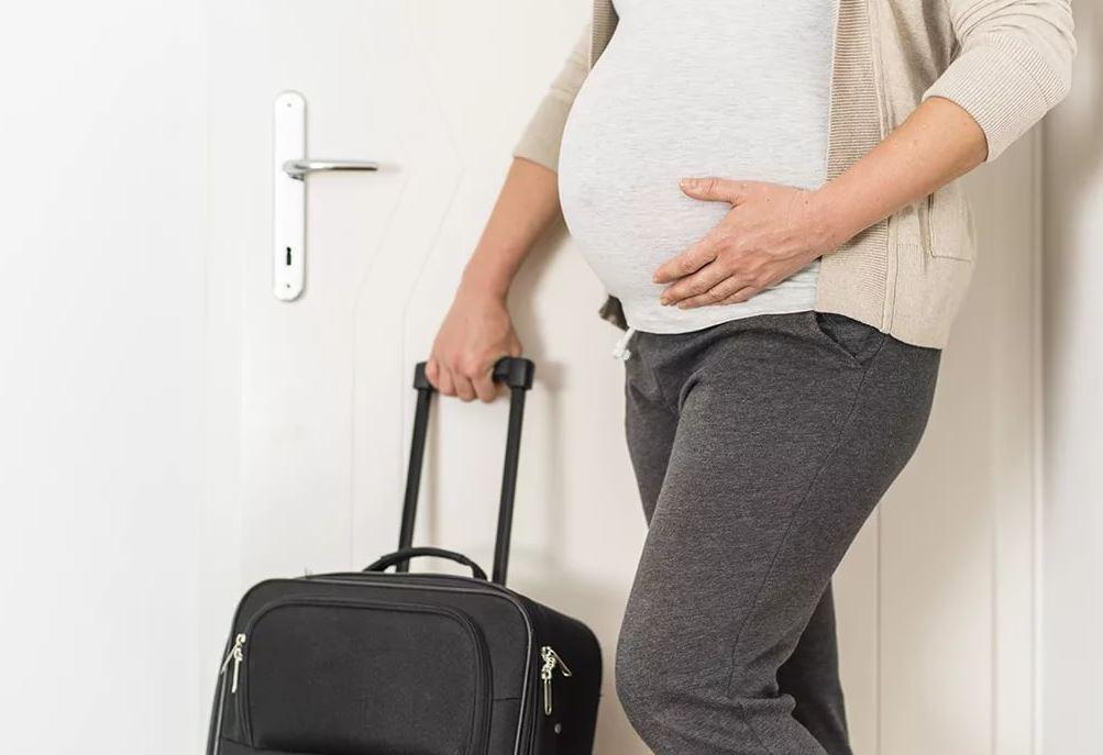 Мать мужа узнала о третьей беременности невестки и потребовала освободить квартиру