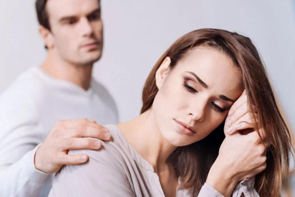 Муж упрашивает жену сделать тест ДНК для свекрови, которая вбила себе в голову, что ребенок у сына приемный