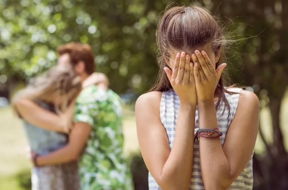Муж ушел к подруге. «Сама виновата, надо было пресекать в зародыше» –  говорят теперь жене