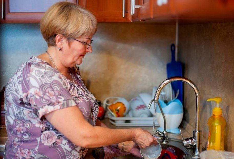 Приехали из отпуска и не узнали квартиру: мама навела порядок – «Две недели вам все отмывала!»