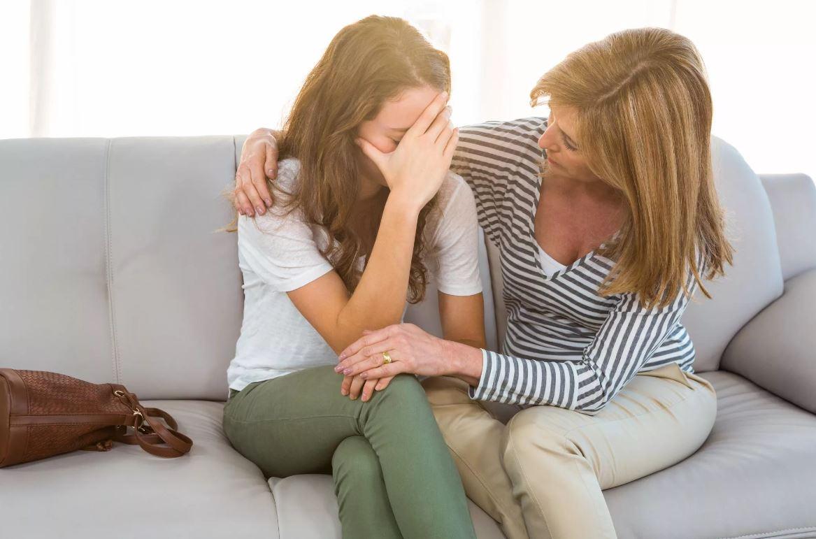 Сестра так хочет внука, что готова поверить первой встречной девице, которая сказала, что беременна от ее сына