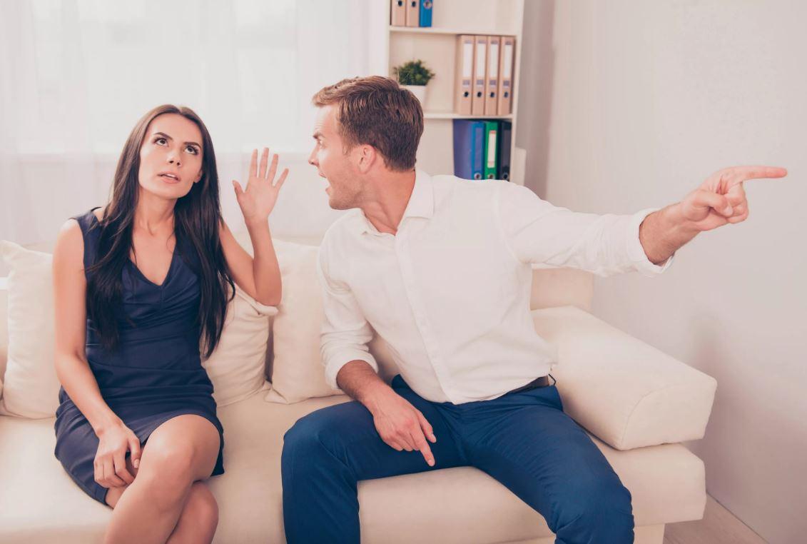 Сын дал своей жене месяц сроку и поставил условие: «Или выйдешь на любую работу, или развод»