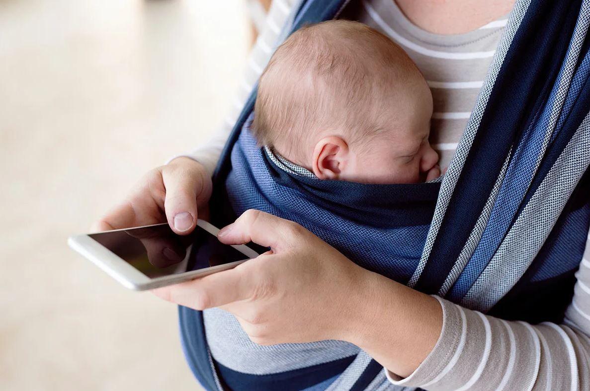 «Телефон свой не ищи, я его выбросила, чтоб ты за ребенком нормально смотрела!» — заявила мать взрослой дочери