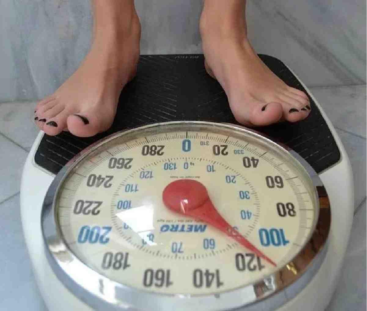 Требует от жены, чтоб похудела - значит, не любит?